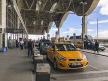 Odjazdy w Sabiha Gokcen lotnisku Istanbuł w Turcja fotografia stock
