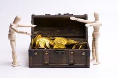 Odkrywający skarbu pudełko obraz royalty free