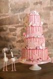 Odkrywczość ślubny tort obraz royalty free