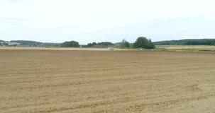 Odla fältet - åkerbruk bakgrund stock video