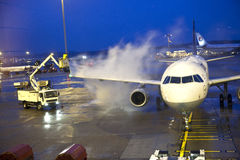 Odladzanie Lufthansa samolot Fotografia Stock