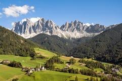 Odle, valle de Funes, el Tyrol del sur, Italia Fotografía de archivo