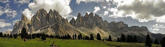 Odle, valle de Funes, el Tyrol del sur, Italia Foto de archivo
