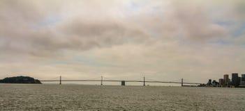 Odległy widok Golden Gate Bridge, usa obraz stock