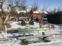Odlingslottar i snöig vinter Royaltyfri Bild