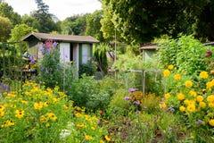 Odlingslottblommaträdgård Royaltyfri Bild