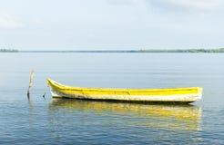 Odludna łódź Zdjęcie Stock