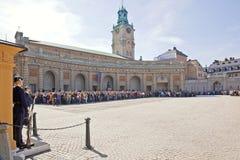 Odmienianie strażnik blisko pałac królewskiego. Szwecja. Sztokholm Zdjęcia Royalty Free