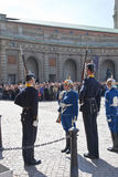 Odmienianie strażnik blisko pałac królewskiego. Szwecja. Sztokholm Zdjęcia Stock