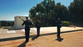 Odmienianie strażnik ceremonia przy Arlington cmentarzem zbiory