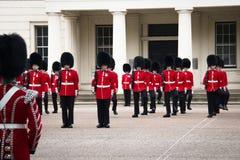 Odmienianie strażowa ceremonia przy buckingham palace, Londyn, UK obrazy royalty free