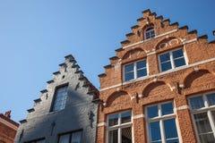 Odmierzeni Dwuokapowego dachu wierzchołki w Bruges Obraz Stock