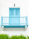 Odnawiący fasadowy błękitny balkon Obraz Royalty Free