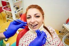Odontología, tratamiento dental imagen de archivo libre de regalías