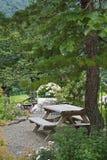 Odoshi Shishi, японский сад Дзэн в Shirakawago Стоковое фото RF