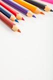 Odosobneni kolorów ołówki, biały tło Zdjęcia Royalty Free