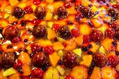 odosobnienie tortowy owocowy biel Fotografia Stock