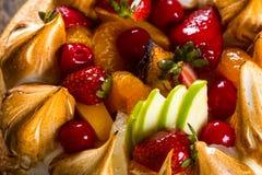 odosobnienie tortowy owocowy biel Fotografia Royalty Free