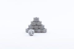 Odosobniona metali pinions przekładnia Żelazna przekładnia na białym tle Pinions w gearbox Części przekładnia mechanizm Sprockets Zdjęcia Stock