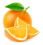 Odosobniona pomarańczowa owoc i plasterki zdjęcia stock