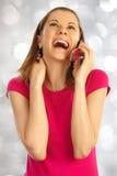 odosobniony dziewczyny telefon komórkowy używać biel Obrazy Royalty Free
