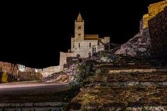 Odosobniony kościół nocą blisko sea/świętego Peter church/Portovenere/losu angeles Spezia, Włochy obrazy stock