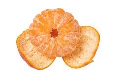 odosobniony mandarine Zakończenie-w górę obrany świeży dojrzały mandarynka pomarańcze tangerine lub clementine odizolowywać na bi zdjęcie stock