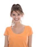 Odosobniony portret młoda uśmiechnięta piękna kobieta w pomarańcze s zdjęcia royalty free