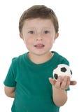 Odosobniony portret zabawa mały futbolista zdjęcia stock