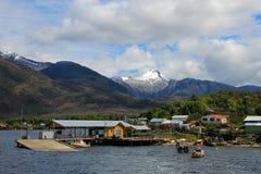 Odosobniony Puerto Eden w Wellington wyspach, fiordy południowy Chile zdjęcia royalty free