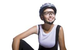 Odosobniony wizerunek uśmiechnięta caucasian żeńska kolarstwo atleta Obraz Stock