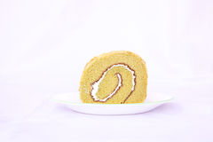 Odosobniony zielonej herbaty rolki tort w białym tle Obrazy Royalty Free