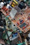 Odpady deskowe elektronika, microcircuits, capacitors obrazy royalty free