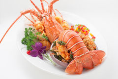 Odparowany homar w jarzynowych dekoracjach Zdjęcie Royalty Free