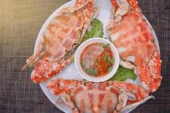 Odparowany krab z Tajlandzkim korzennym owoce morza kumberlandem Zdjęcia Royalty Free