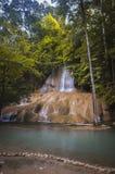 Odpoczynek, siklawa, Sai Yok Noi park narodowy, Kanchanaburi, Tajlandia Fotografia Royalty Free