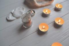 Odpoczynek w zdroju tła piękna opieki szarej fryzury błyszcząca slicked kobieta Relaksu czas dla youself Aromatherapy Obraz Royalty Free