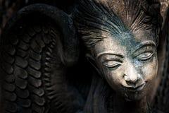 Odpoczynkowa statua w miękkim świetle obraz stock