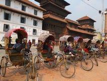 Odpoczynkowi riksza kierowcy, Kathmandu, Nepal Obraz Stock