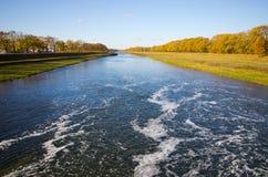 Odrarivier tijdens de herfst - Polen Stock Fotografie