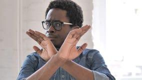 Odrzucać Gniewnego Afrykańskiego mężczyzny, Nie lubić zbiory wideo