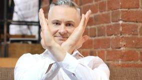 Odrzucający, Nie lubić gest wieka średniego mężczyzna Obraz Royalty Free
