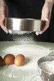 Odsiew mąka przez arfy Obrazy Stock