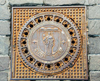 Odważniaka Treves manhole pokrywa z miasto emblematem Obraz Royalty Free