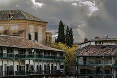 Odwiedza średniowieczny miasto Chinchà³ n, Madryt, Hiszpania obrazy royalty free