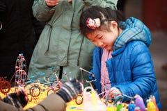 Odwiedza świątynnego jarmark w Grodzkim God& x27; s świątynia, Zhengzhou Obrazy Stock