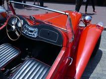 Odwracalny czerwony MG TA z czarnym wnętrzem w Lima Fotografia Stock