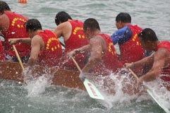 łodzi smoka paddle uczestnicy ich Zdjęcie Stock