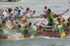 łodzi smoka paddle uczestnicy ich Zdjęcie Royalty Free