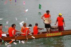 łodzi smoka paddle uczestnicy ich Obrazy Royalty Free